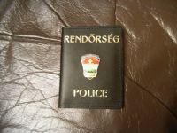 Rendőrség, kívül és belül jelvénnyel kicsi