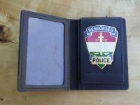 Rendőrség, belül jelvénnyel kicsi